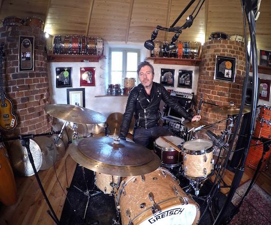 The mighty ASH SOAN at home in the studio