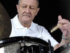 Sadly missed, the late, great, 'Teacher's Teacher' BOB ARMSTRONG - Global Drum Network Episode 11